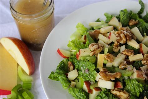 mes recettes de cuisine salade de c 233 leri branche aux pommes et aux croustillantes