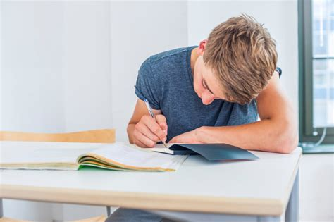 A Place To Do Homework Students Spend More Time On Homework But Teachers Say It S Worth It Us News