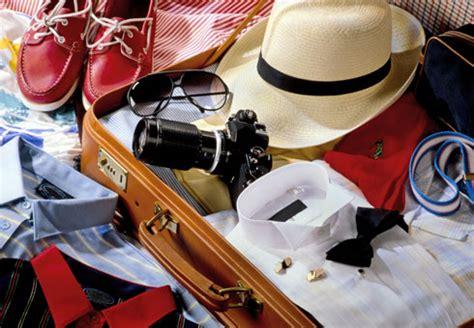 cosa portare in vacanza vacanze cosa non pu 242 mancare in valigia centro moda napoli