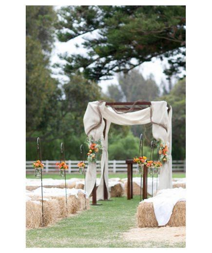 Wedding Aisle Lined With Flowers by Fall Real Wedding Ideas Outdoor Wedding Aisles And Hay Bales
