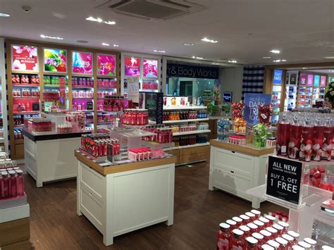 bathtub store bath body works announces store opening in thailand