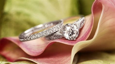 steps to follow when buying two tone engagement rings