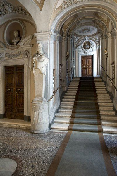 Banca Mps Roma by Italy S Monte Dei Paschi Di Siena Has A Palace In Rome On