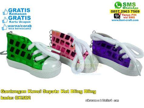 Sepatu Ket S gantungan kunci sepatu ket bling bling souvenir pernikahan