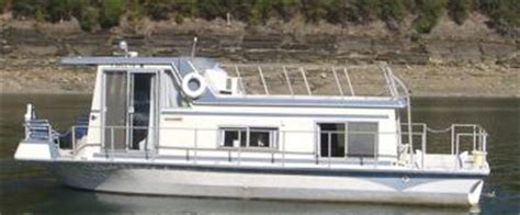 houseboat purchase a woman s first houseboat purchase it s cozy homey and