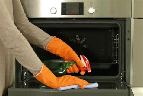 Fokus Clean Pembersih Piring Dan Peralatan Dapur cara membersihkan oven pembersih oven bersihbersih