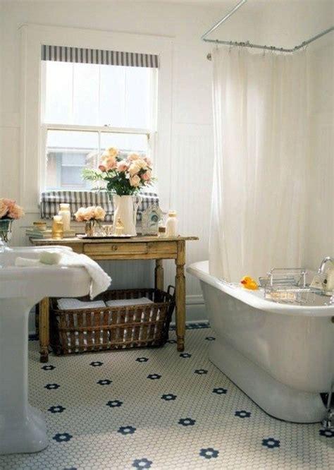 city tiles and bathrooms 25 best ideas about vintage bathroom floor on pinterest