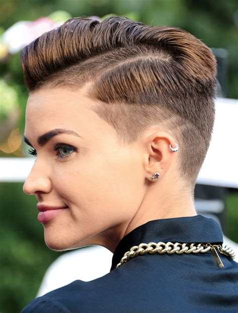 ruby rose cutting hair video ingrid nilsen s short hair ideas to try for 2016 glamour