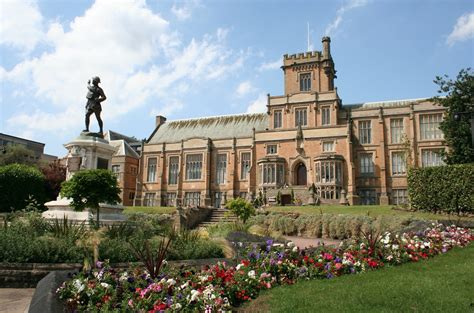 Top Mba Schools In Uk by Nottingham High School To Launch Business Club
