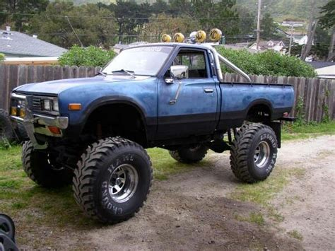 nissan pickup 4x4 lifted 1975 datsun 620 4x4 pinterest 4x4 nissan trucks and