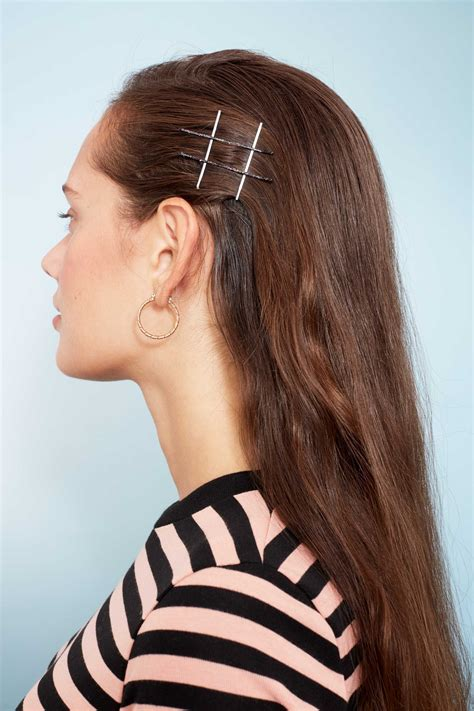 One Bobby Pin Hairstyle by 9 Cool Bobby Pin Hairstyles To Add To Your Hair Routine