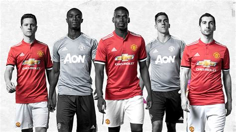 libro manchester united official 2017 manchester united get set for tour 2017 official manchester united website