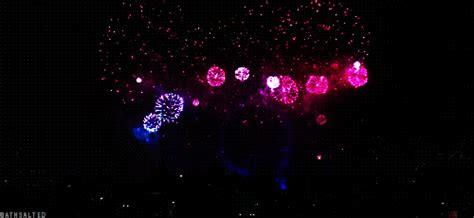 imagenes gif en facebook im 225 genes animadas con fuegos artificiales para celebrar