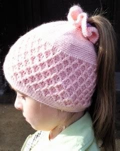 crochetpatteran for hat that looks like layers crochet pattern for a girls pineapple stich beret