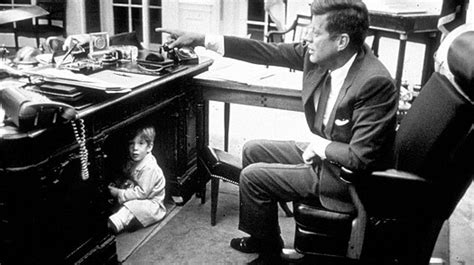 scrivania resolute f kennedy jnr the resolute desk iconic photos