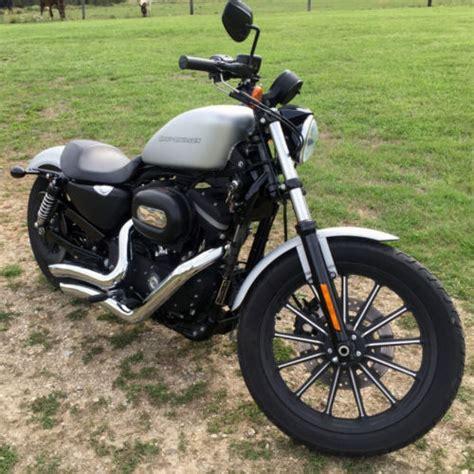 Harley Davidson White Silver 1 2009 harley davidson sportster iron 883 silver denim black read