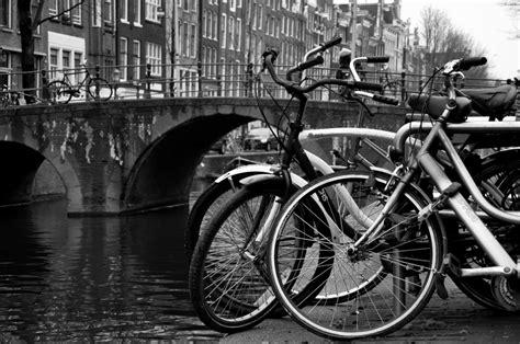Amsterdam Noir Et Blanc by A Amsterdam M 234 Me Le Noir Et Blanc Est En V 233 Lo Voir L