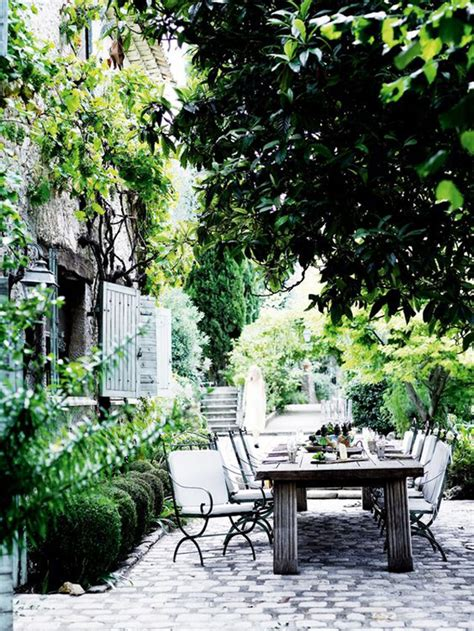 outdoor dining spaces 20 beautiful outdoor spaces to relaxing ambiance