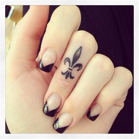 how much are finger tattoos 25 best ideas about finger tattoos on