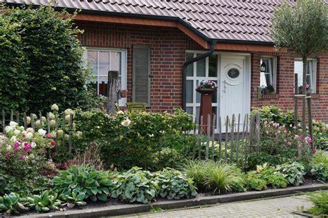 Garten Gestalten Landhausstil by Vorgarten Im Landhausstil Pflanz Konzept