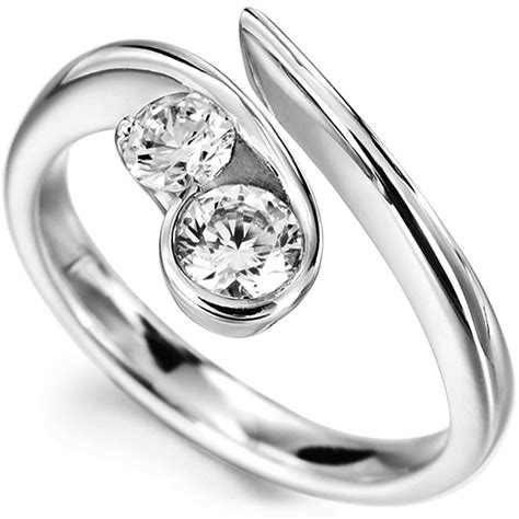 flow 2 engagement ring