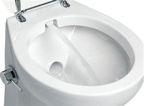 vaso bidet integrato come avere gabinetto e bidet allo stesso tempo mondofamiglia