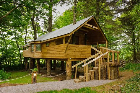 Cottages For Couples Ireland by Cottages For Couples Distinctive Luxury Cottages For Breaks In West Cork 187 Treehouse 1