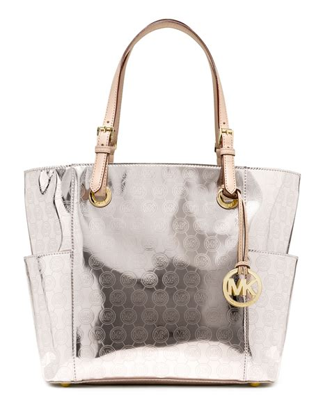 michael michael kors jet set mirror metallic eastwest signature tote in metallic lyst