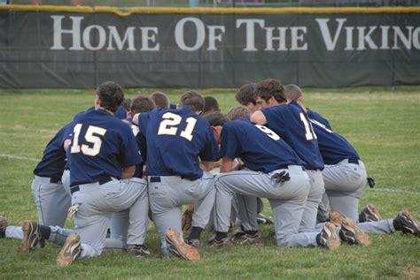 baseball teams file mount tabor baseball team prayer jpg wikimedia commons