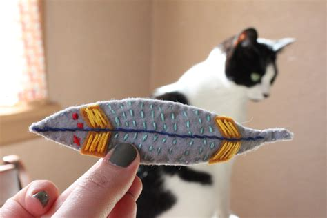 Simple Handmade Toys - on my honor diy thanksgiving inspired cat toys
