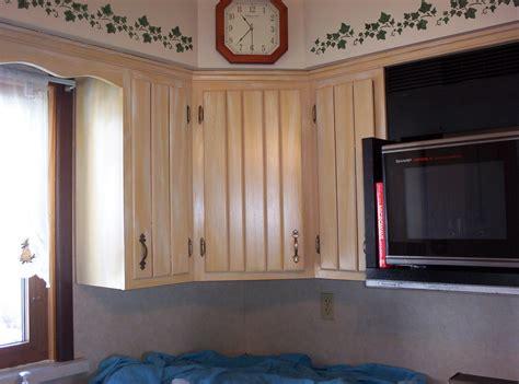 how to lighten oak cabinets lighten cabinets