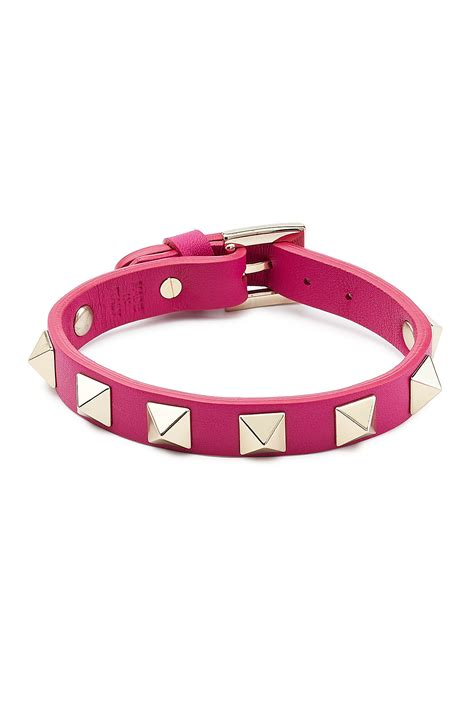 valentino small rockstud leather bracelet pink in pink
