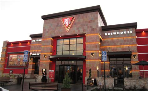 bj brew house bj s brewhouse opening in pittsburgh mccandless crossing