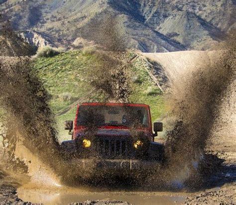 muddy jeep wrangler muddy jeep jeep