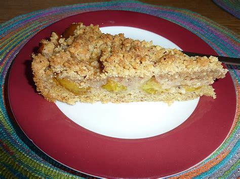 kuchen mit pflaumen pflaumen streusel kuchen mit n 252 ssen rezept mit bild