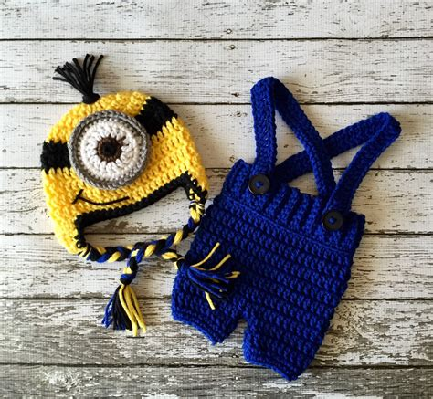 Minion Set Black Or Yellow minion inspired beanie in yellow black and blue with matching