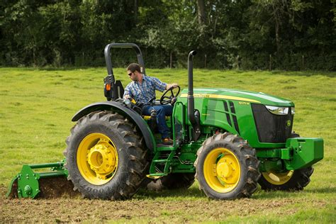 Pers Premium Care M 68 deere announces changes to 5m utility tractors