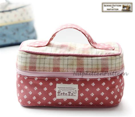 free pattern zippered cosmetic bag train case zippered bag sewing pattern makeup bag pattern