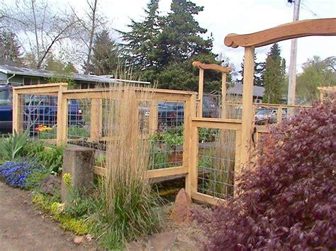 Landscape Fencing Fence As Sculpture Landarc Landscaping Design
