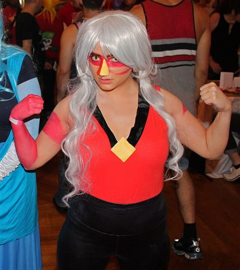 File:Steven Universe cosplay - FlameCon 2015 (Ruby ...