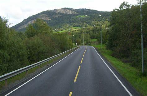 road wiki file road in jpg wikimedia commons