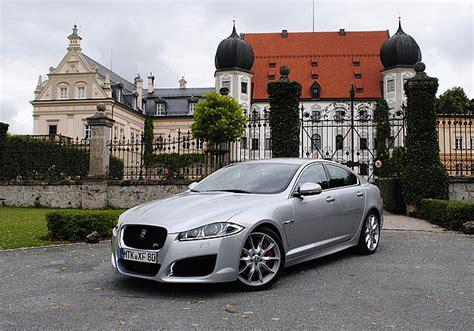 Jaguar Autokonzern by Presse24 187 Jaguar 180 S Raubkatze Xf Setzt An Zum Sprung