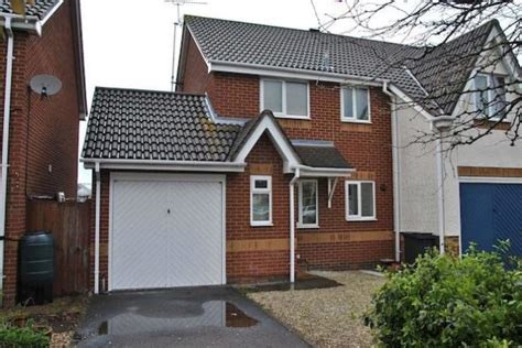 3 bedroom house for rent in swindon 3 bedroom semi detached house to rent in copse avenue swindon sn1