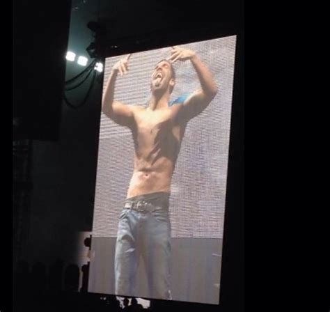 Drake Chair by Drake Goes Shirtless After Doing The Ice Bucket Challenge