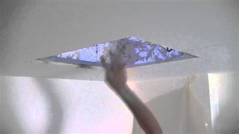 Reboucher Trou Plafond Platre by Comment Reparer Un Plafond En Placo Id 233 Es D 233 Coration