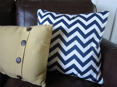 Kriskraft Easy Diy Throw Pillows How To Make Sofa Pillows