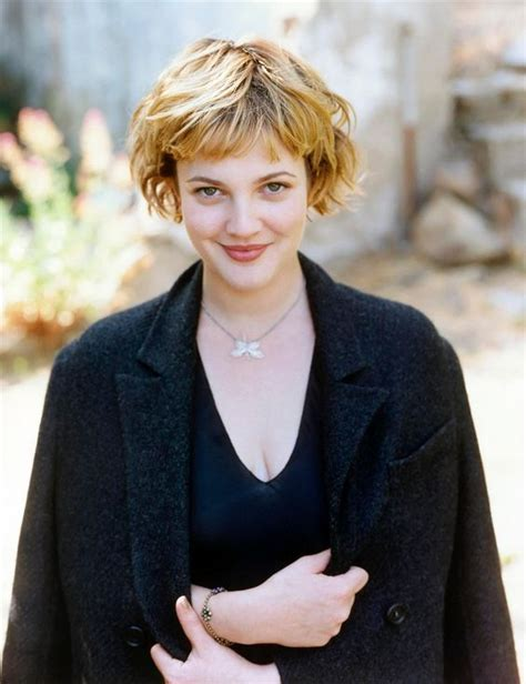 short hairstyles in the 90 s drew barrymore s 10 best hair looks styleicons
