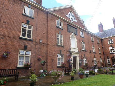 Ludlow Cottages With Parking by Self Catering Booking Ludlow Holidays