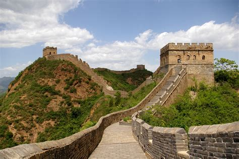 beijing and the great wall of china modern wonders of the world around the world with jet lag jerry volume 1 books top 15 fascinating facts about the great wall of china