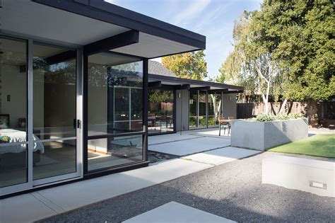 eichler architecture mid century eichler home gets a bold remodel into the 21st